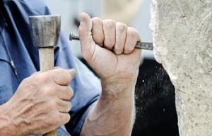 In Stein gemeißelt: Mit PORR startet die erste Anleihe aus der Baubranche im EntryStandard. Quelle: Panthermedia/Daniel Guffanti