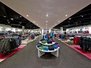 Adler-Management bewertet Angebotspreis als nicht angemessen. Quelle: Adler Modemärkte AG