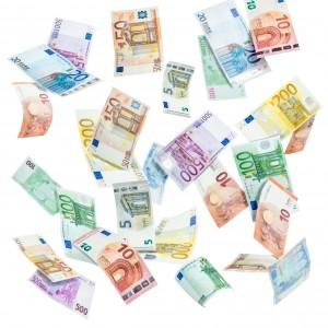 Euro Geldscheine vor weiem Hintergrund