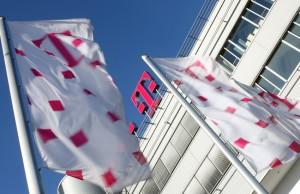 Telekom-Logo-mit-Flaggen02_850x550