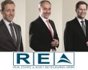 Geschäftsführer REA mit Logo