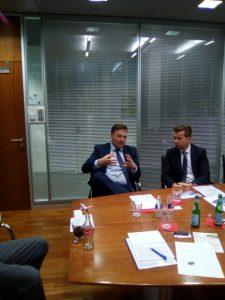 CEO Hotar (l.) und CFO Wohlmuth im Gespräch