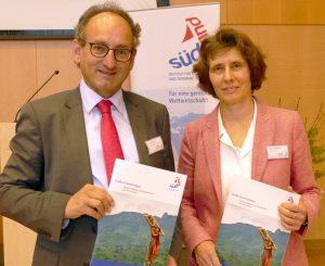 Green Bonds-Tagung; Michael Dittrich und Antje SchneeweißFoto © Südwind e.V.